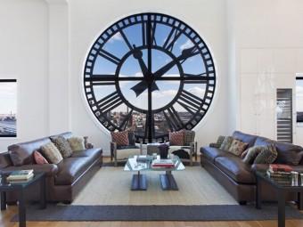 Атмосфера уюта и комфорта:Часы в интерьере